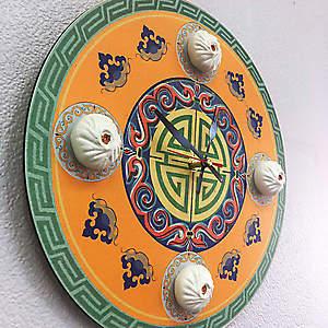 Часы стилизованные